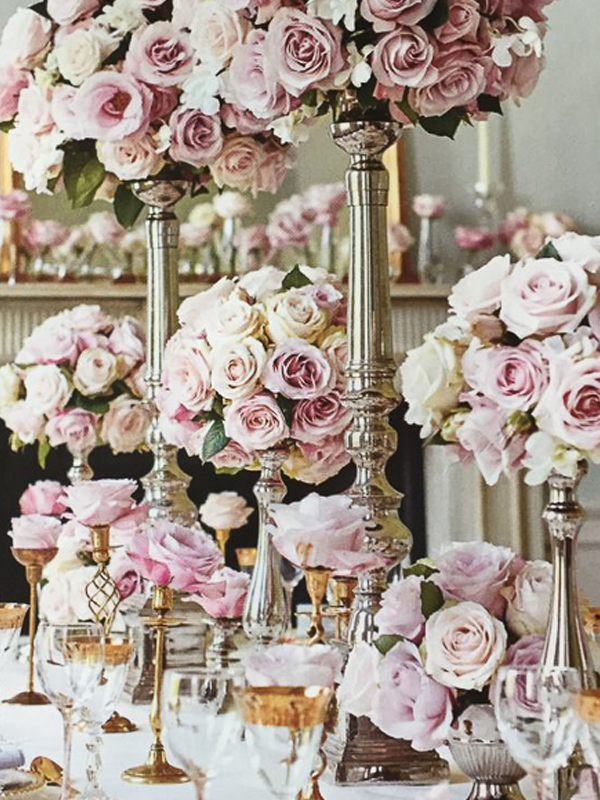 maison-de-rossi-blushing-bride-wedding-blog-formal-theme-crystal-and-roses-centerpieces.png