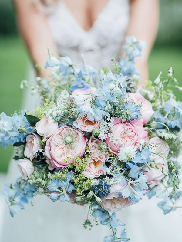 maison-de-rossi-blushing-bride-blog-colour-story-blush-garden-wedding-blush-and-blue-wedding-bouquet.png