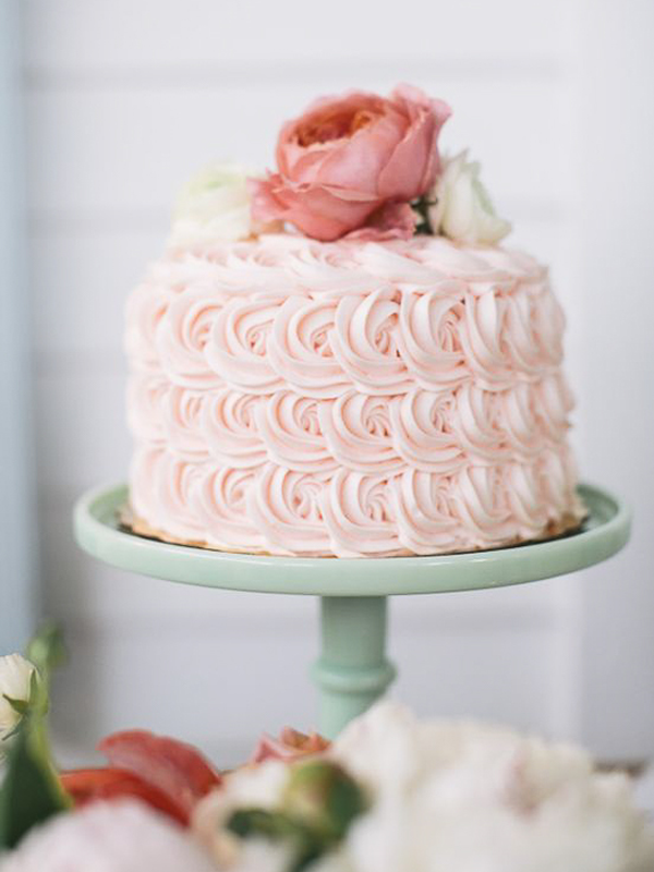 maison-de-rossi-blushing-bride-blog-colour-story-blush-garden-wedding-decortive-wedding-cake.png