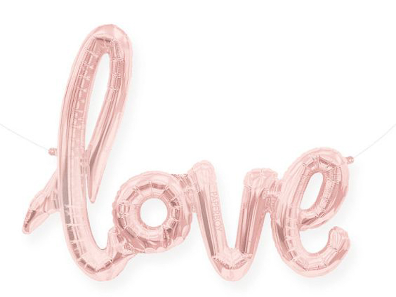 maison-de-rossi-blushing-bride-blog-colour-story-blush-garden-wedding-giant-love-balloon.png
