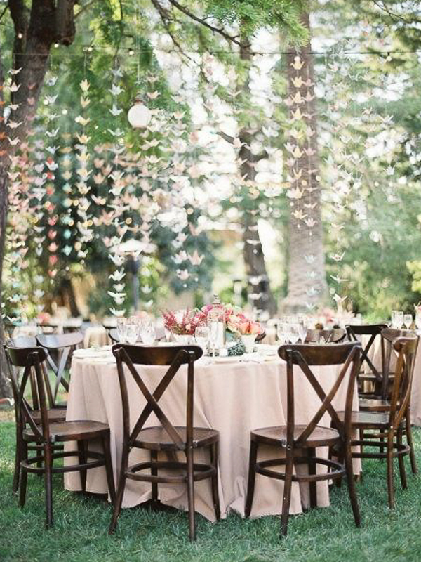 maison-de-rossi-blushing-bride-blog-colour-story-blush-rustic-outdoor-table-setting.png