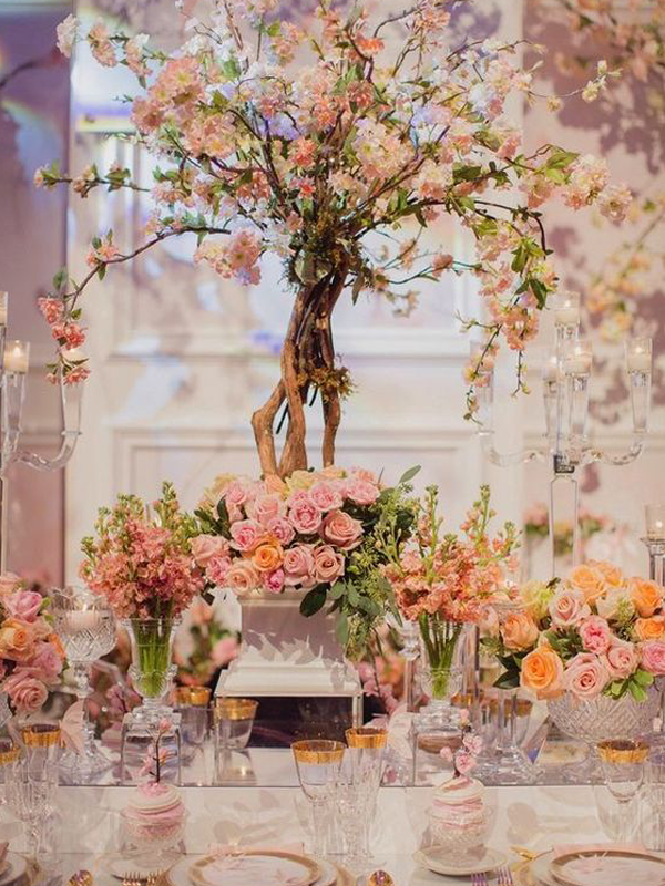 maison-de-rossi-blushing-bride-wedding-blog-formal-theme-wedding-table-floral-tree-centrepiece.png