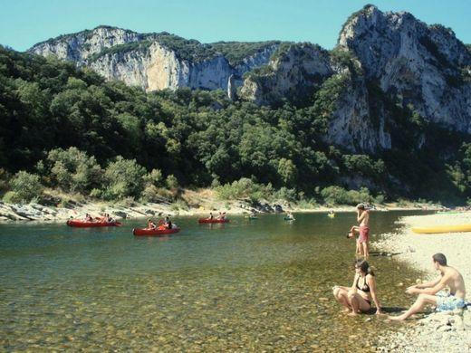 https___www.toocamp.com_medias_campings_medium_camping-camp-des-gorges-33237-01.jpg