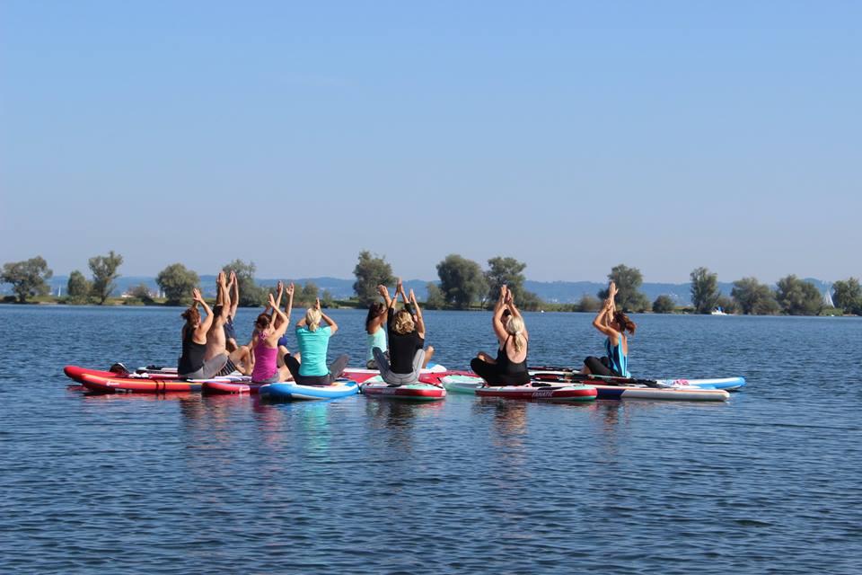 SUP Yoga Gruppenfoto - Kopie.jpg