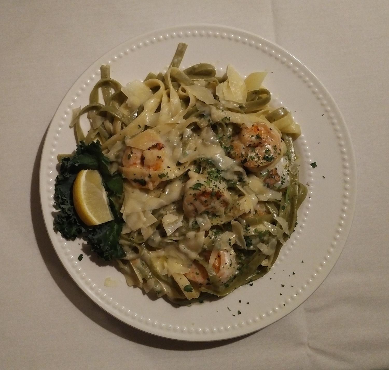 Fresh Pan Seared Scallops and Shrimp over Fettuccini Alfredo