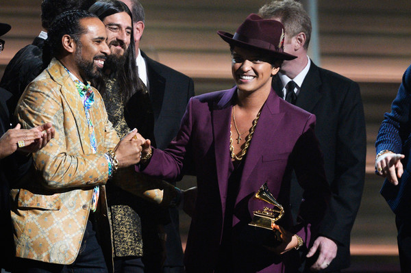 Lawrence-Boo-Mitchell-58th-GRAMMY-Awards-Show-6YjBwiMIL-zl.jpg