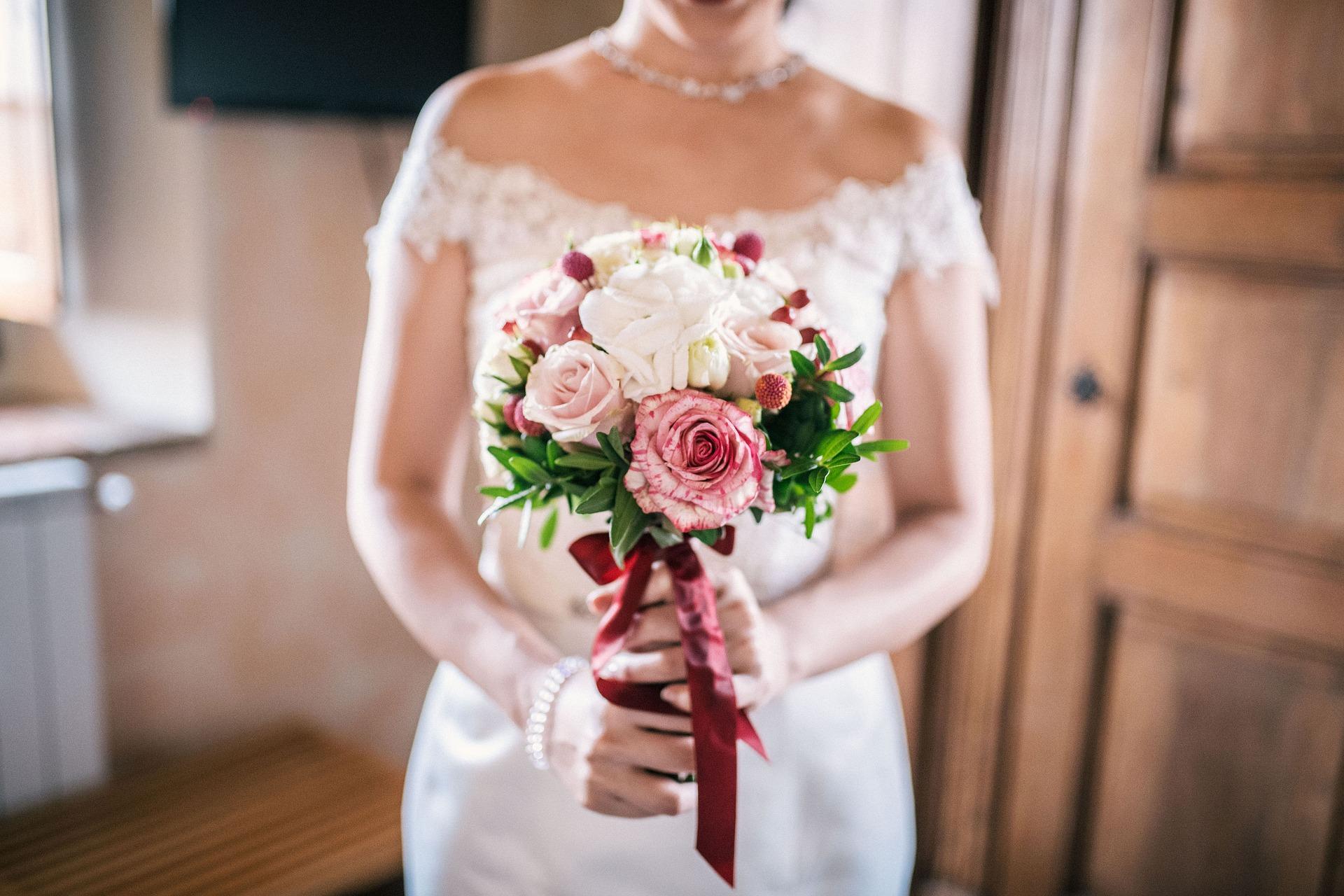 bridal-bouquet-3960220_1920.jpg