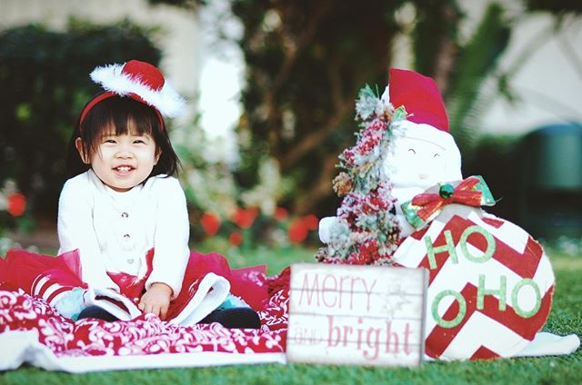 Merry Christmas and happy holidays from everyone at Paxxie! ⠀⠀⠀⠀⠀⠀⠀⠀⠀ .⠀⠀⠀⠀⠀⠀⠀⠀⠀ .⠀⠀⠀⠀⠀⠀⠀⠀⠀ This adorable shot is by Paxxie talent Brandon L. in Poway, CA!⠀⠀⠀⠀⠀⠀⠀⠀⠀ 📸 https://my.paxxie.com/brandonl⠀⠀⠀⠀⠀⠀⠀⠀⠀ .⠀⠀⠀⠀⠀⠀⠀⠀⠀ .⠀⠀⠀⠀⠀⠀⠀⠀⠀ #familyphotos #sundayfunday #familylife #familytime #familyportrait #familyportraits #familyfirst #instafam #instalove #portraitphotography #portraitshoot #portrait_shots #familyfun #lifestylephotography #lifestyle #fundays #holidaymood #christmascard #christmasmood #happyholiday #portraits #portrait #pursuitofportraits #whoispaxxie #whoispaxy #selfieassistant #selfieasst #paxy #paxxie #getapaxxie