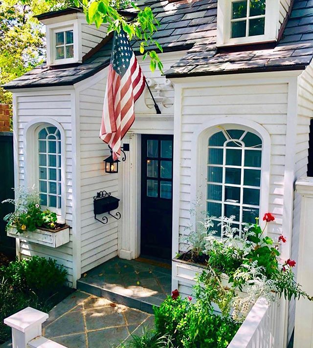 Cheers 🎉 to the start of summer and a special thanks to all veterans 🇺🇸 who've given their lives for our great country!  Hope your day is filled with ☀️ and 🍔! . . . P.S. How adorable is this little playhouse the fab @caitlinwilsondesign spotted this weekend.  I think I'll move right in 💙❤️ . . . #designconsultations #cincinnatiinteriordesign #cincinnatidesign #cincinnatiinteriors #designer #cincinnatidesigners #studiopiper #hydeparkcincinnati #beforeandafter #mtlookoutcincinnati #livingroom #interiordesign #color #designconsults #interiordesign #housebeautiful #color #memorialday #patriotic #flag #summer #redwhiteblue #america #love