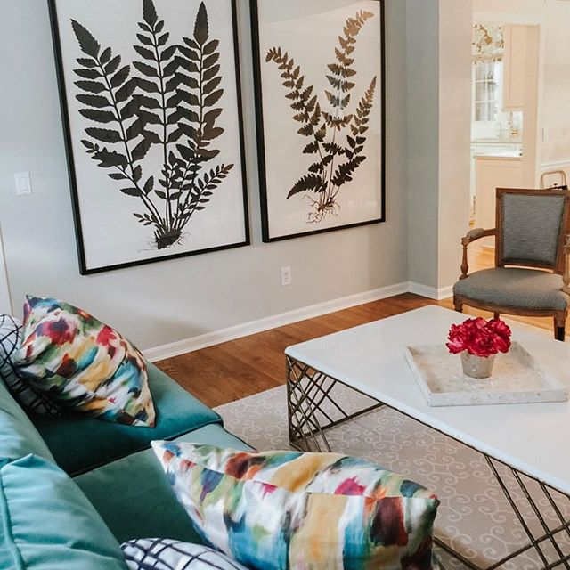 😍😍😍 this space from @reuschinteriordesign is giving me all the heart eyes.  I'll take one of everything please. . . Adding color and texture to your space is essential and we'd love to help! Send us a DM to get started . . #designconsultations #cincinnatiinteriordesign #cincinnatidesign #cincinnatiinteriors #designer #cincinnatidesigners #studiopiper #hydeparkcincinnati #beforeandafter #mtlookoutcincinnati #livingroom #interiordesign #color #pink #love #girly #designconsults #vanity #interiordesign #housebeautiful #color #blackandwhite #vintagerug #bright #light #entryway