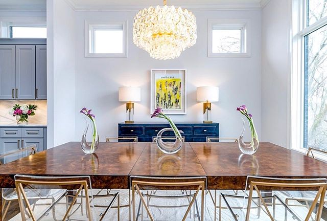 I've got some ☀️ in my pocket . . . Is your dining room feeling drab? Do you need help with furniture placement, selections, or styling your space? We'd love to help....with our in home design consultations you get the expert advice and direction you need but without the price tag of traditional interior design! Send us a DM or visit our website to get started. . . .  #designconsultations #cincinnatiinteriordesign #cincinnatidesign #cincinnatiinteriors #designer #cincinnatidesigners #studiopiper #hydeparkcincinnati #beforeandafter #mtlookoutcincinnati #livingroom #interiordesign #color #pink #love #girly #designconsults #vanity #interiordesign #housebeautiful #color #blackandwhite #vintagerug #bright #light #entryway #diningroom #lightfixture #diningroomdesign