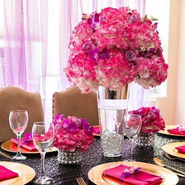 Ladies Night! #RoyalBashEvents #RoyalbashEventsNyc #Nyceventplanners #ChloeandKimmy #GirlsNight #LadiesNight #TableSetting  #TableSetting #WineNight #Flowers #Purple #Pink #BirthdayParties #KidsParties #GenderReveal #PrivateEvents #BabyShowers