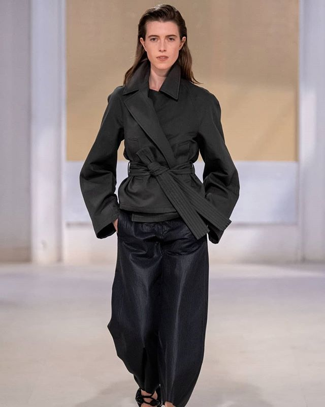 Beautiful show @lemaire_official SS20 🖤 Key hair @jamespecis  #teampecis . . . . . . #pfw #runway #fashionweek #ss2020