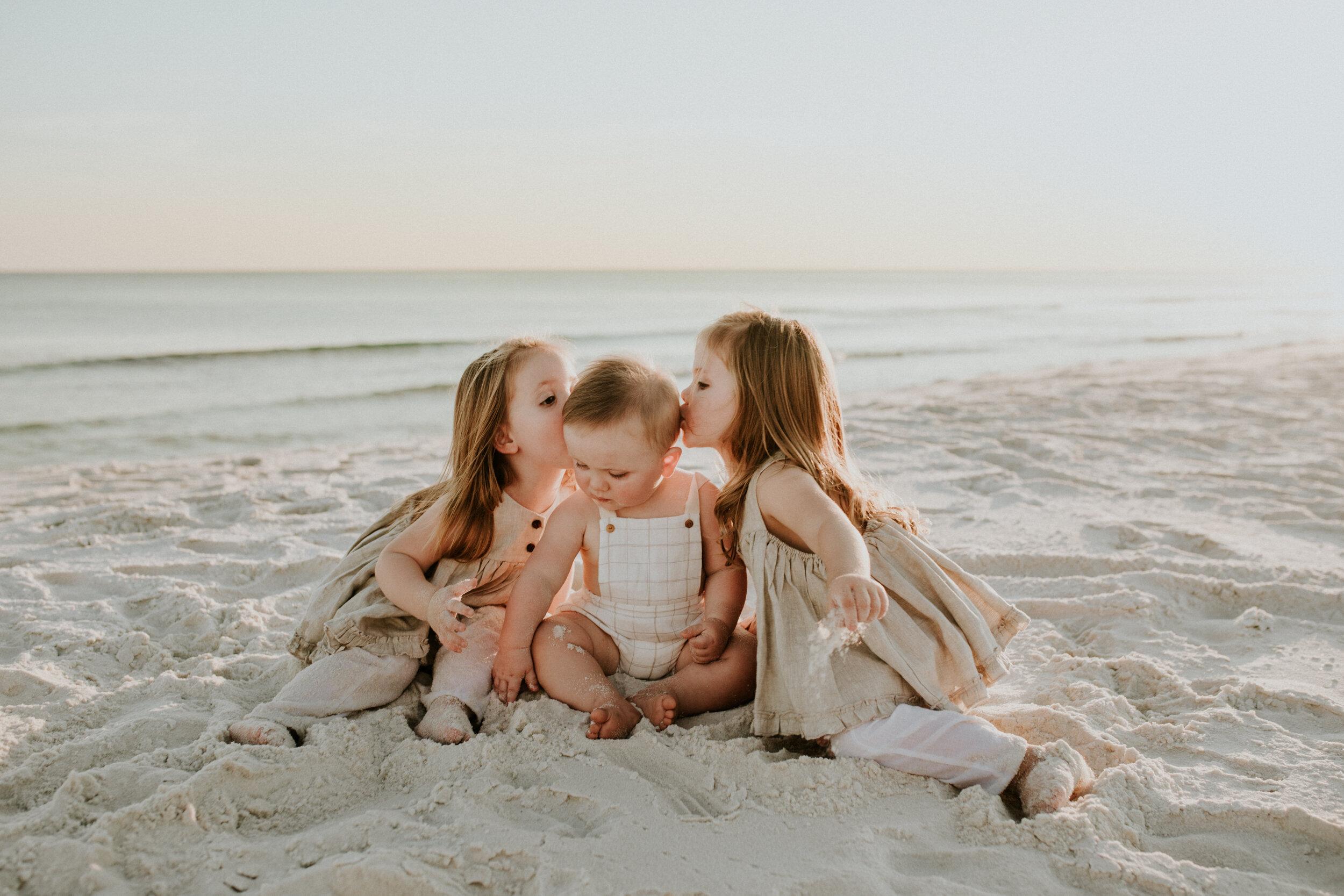 30a_Destin_Watersound_Florida_Family_Photographer_Beach_Photos-34.jpg