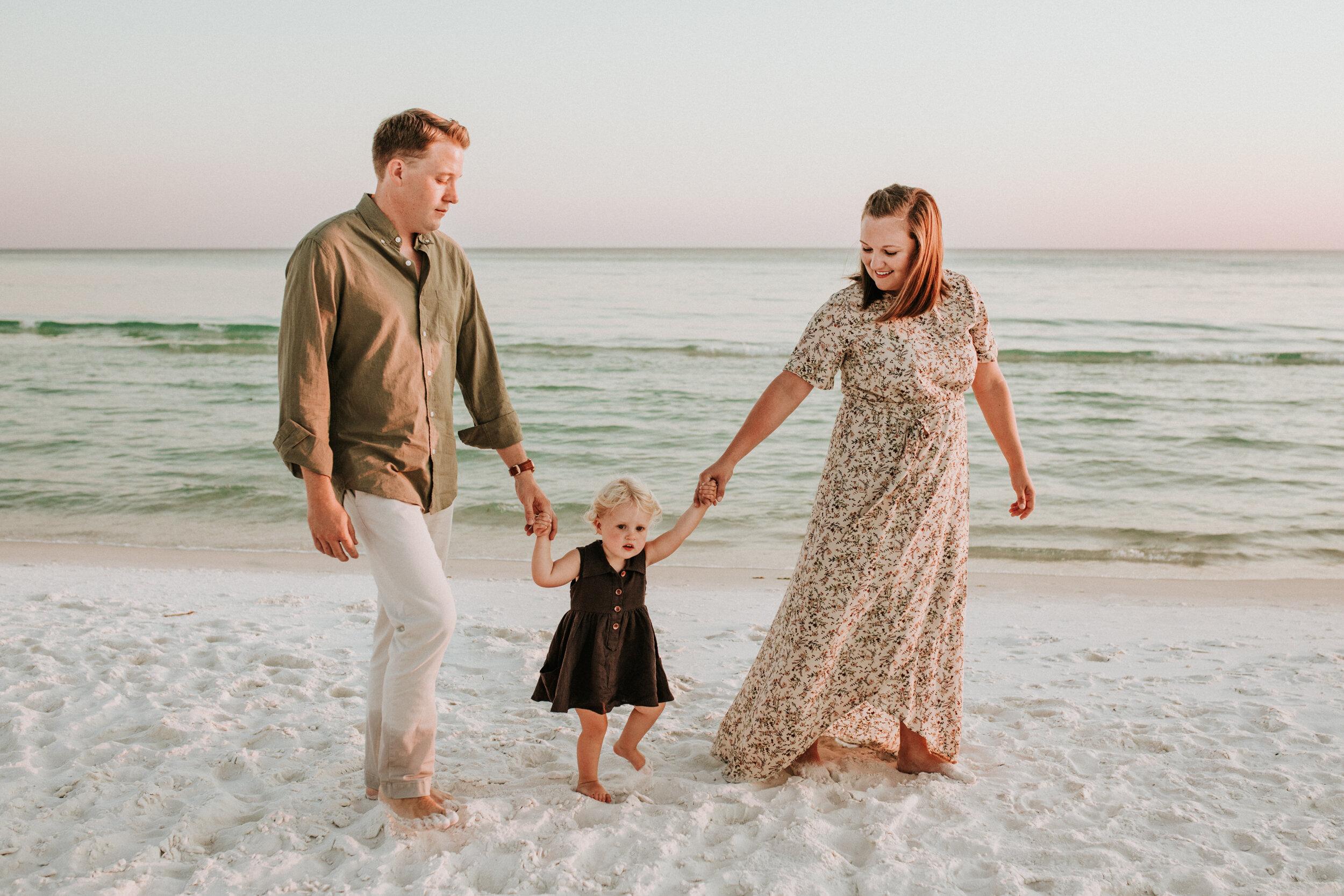 30a_Destin_Watercolor_Family_Photographer_Beach_Photos-5.jpg