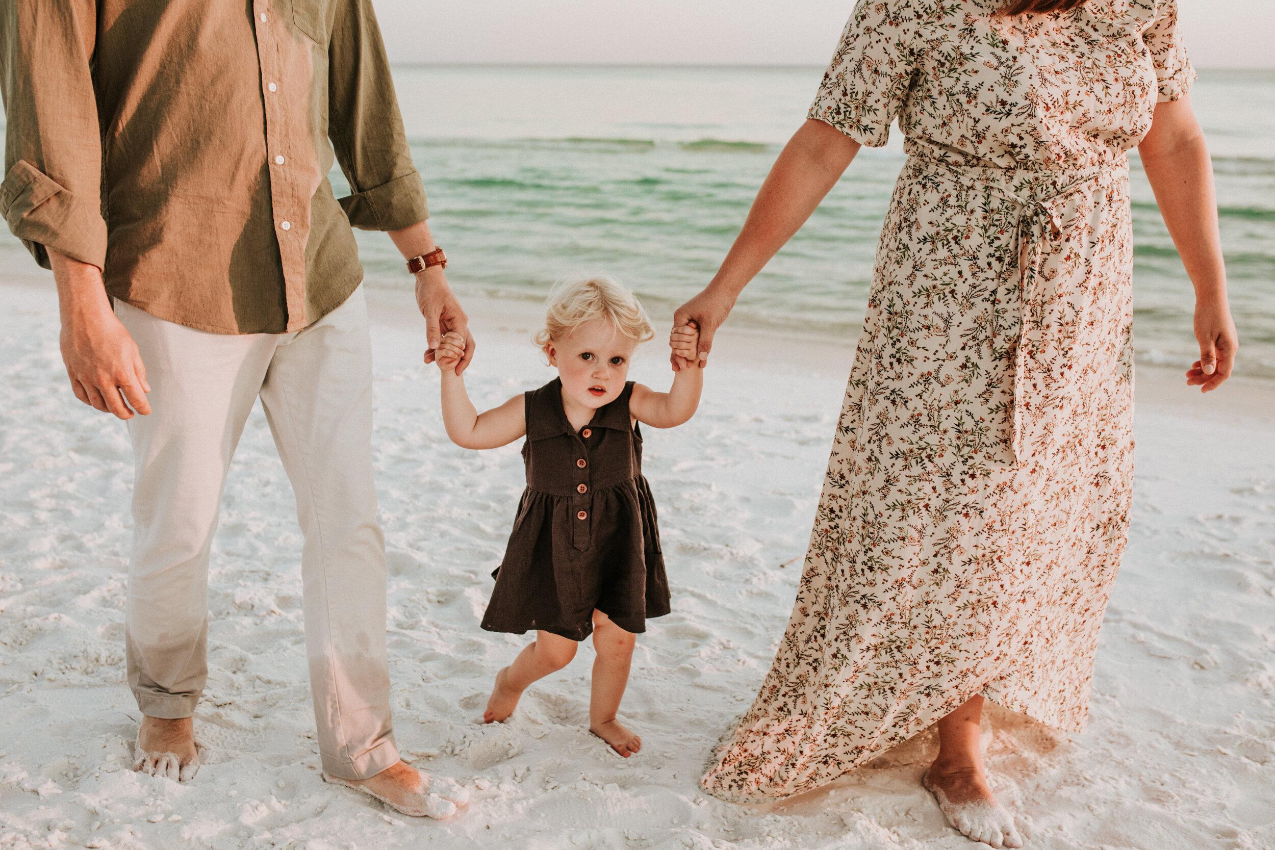 30a_Destin_Watercolor_Family_Photographer_Beach_Photos-11.jpg