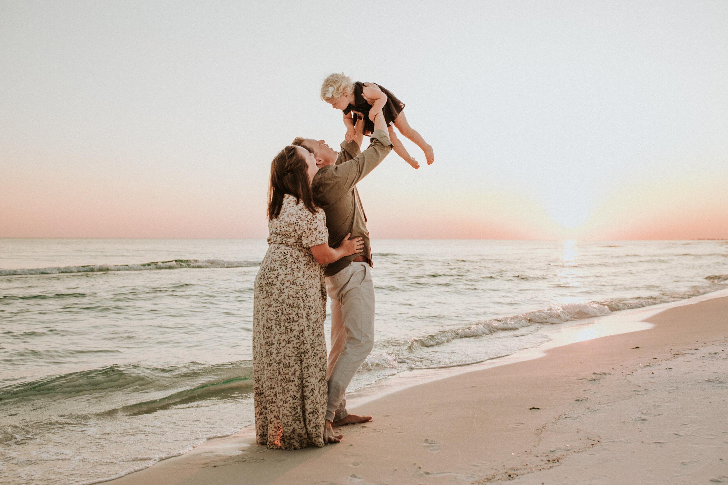 30a_Destin_Watercolor_Family_Photographer_Beach_Photos-13.jpg