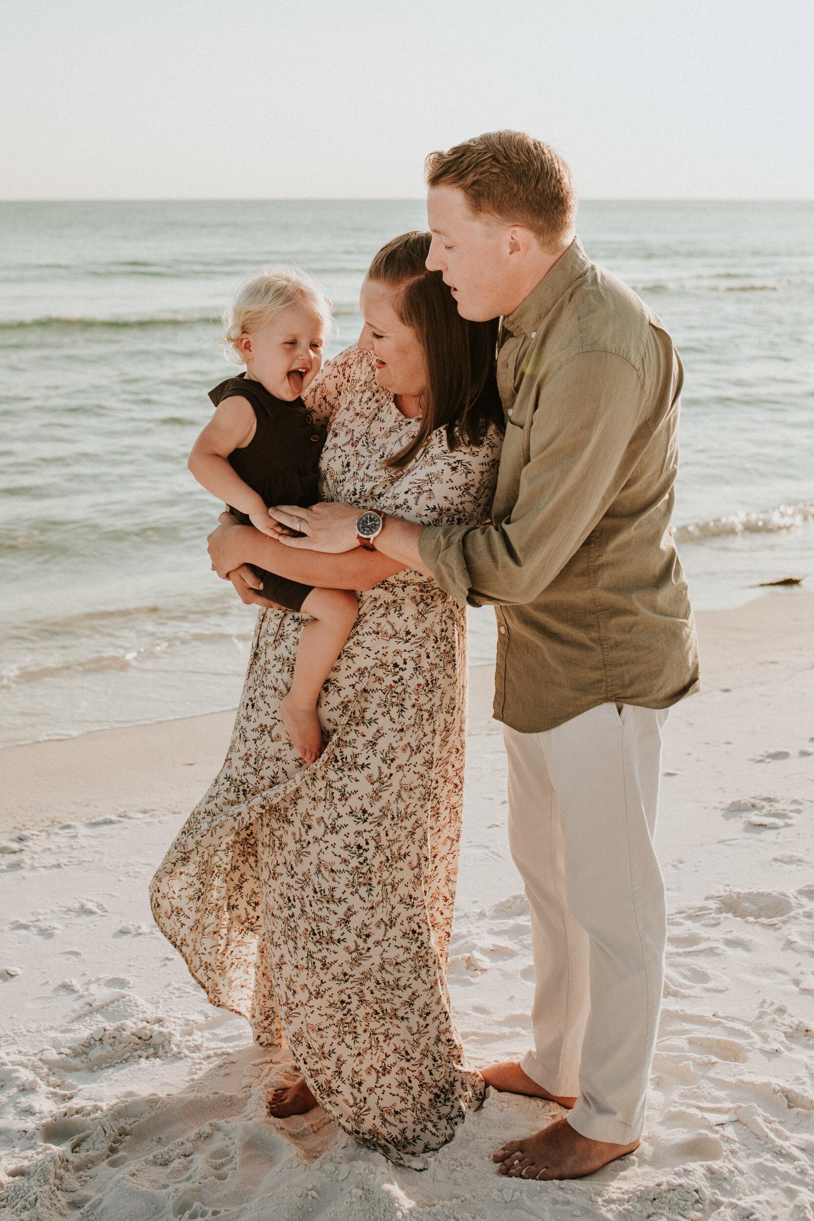 30a_Destin_Watercolor_Family_Photographer_Beach_Photos-19.jpg