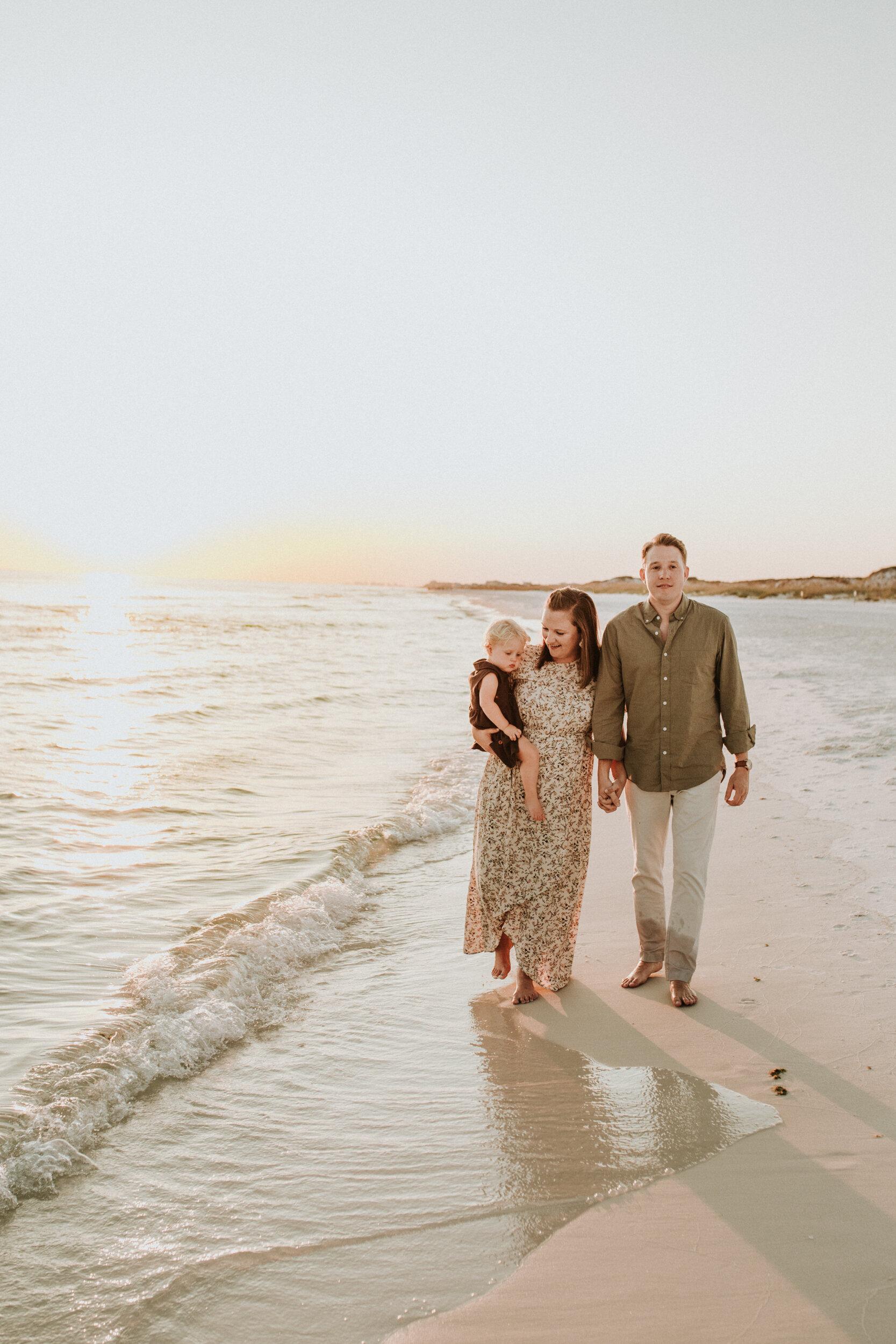 30a_Destin_Watercolor_Family_Photographer_Beach_Photos-23.jpg