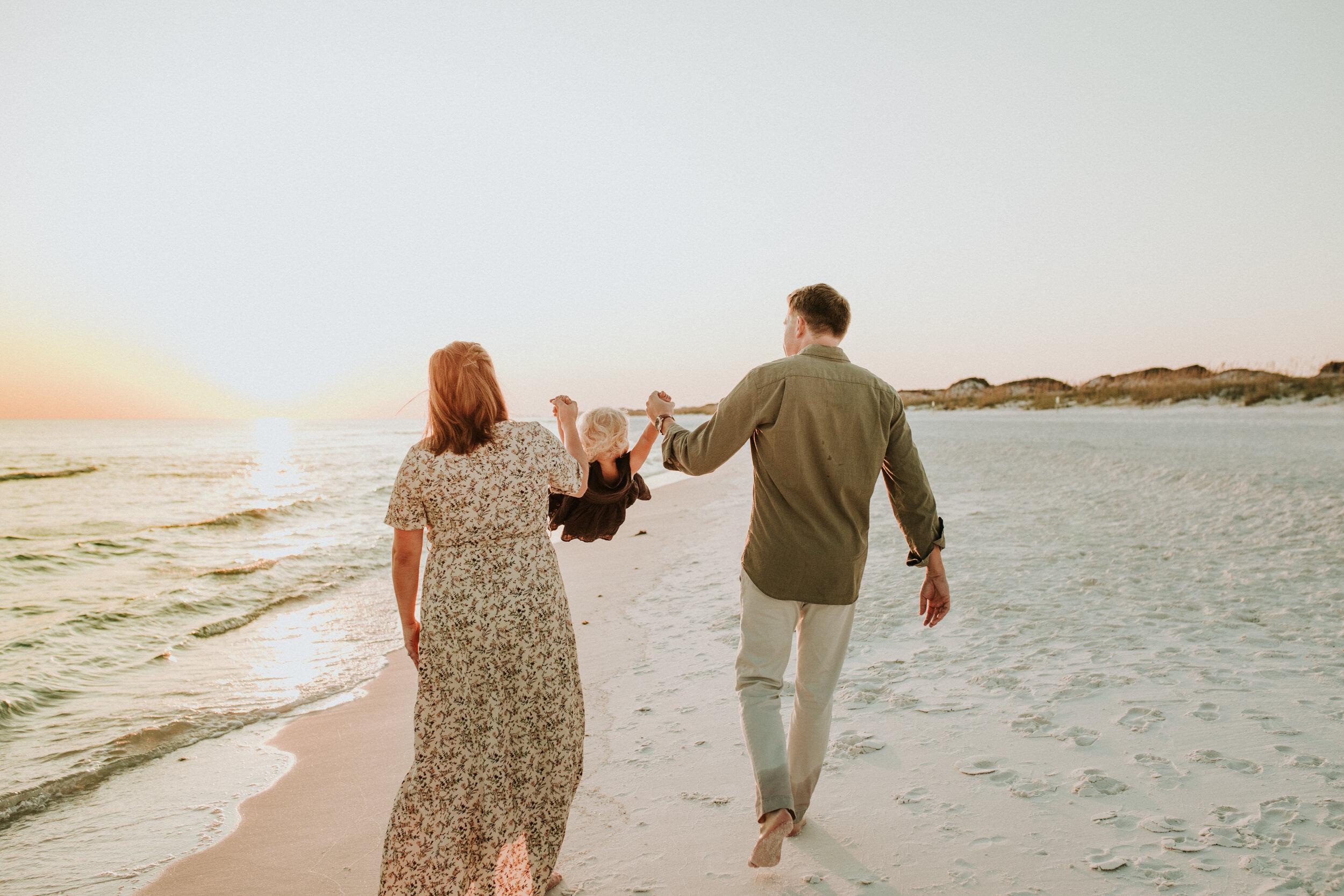 30a_Destin_Watercolor_Family_Photographer_Beach_Photos-28.jpg
