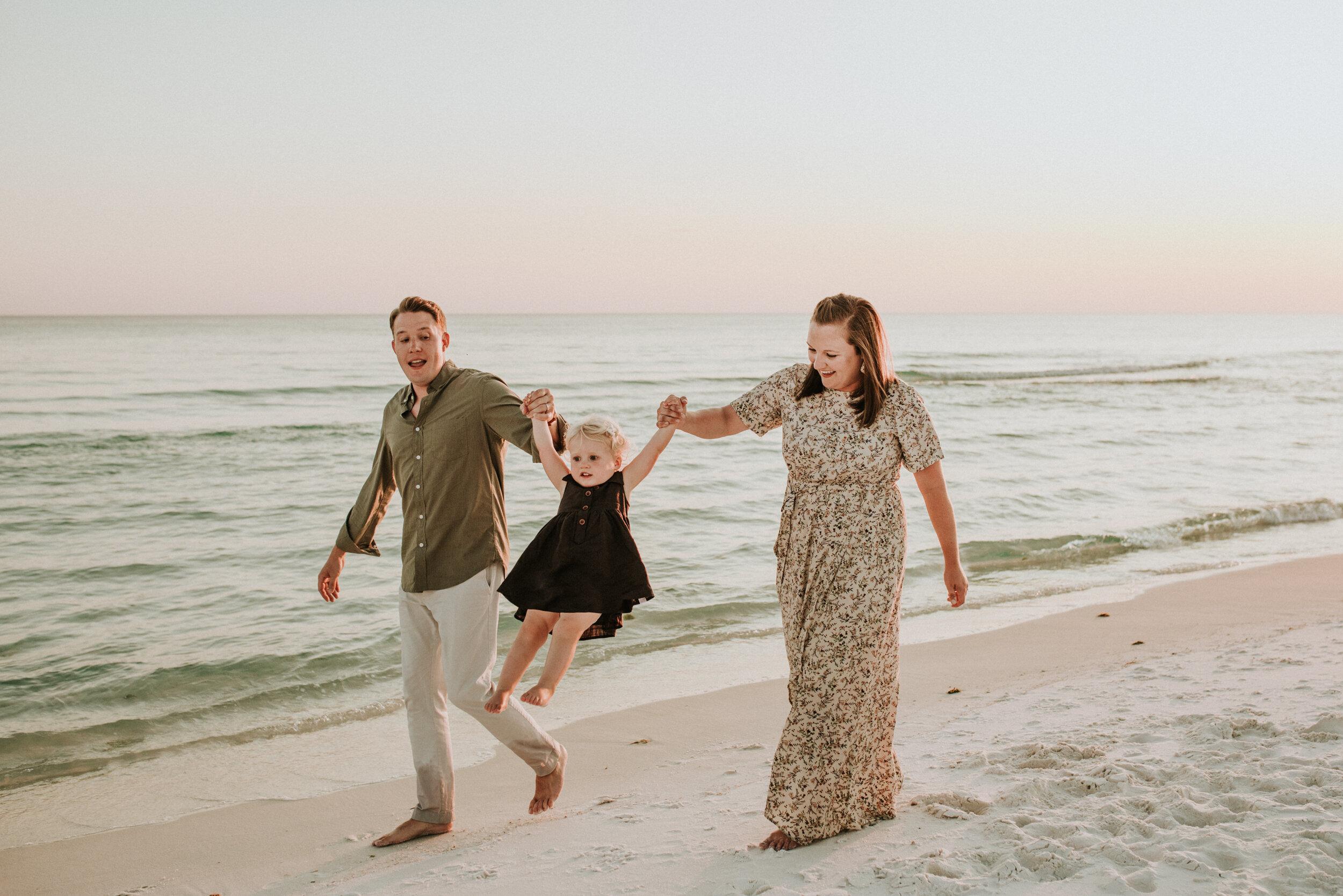 30a_Destin_Watercolor_Family_Photographer_Beach_Photos-30.jpg