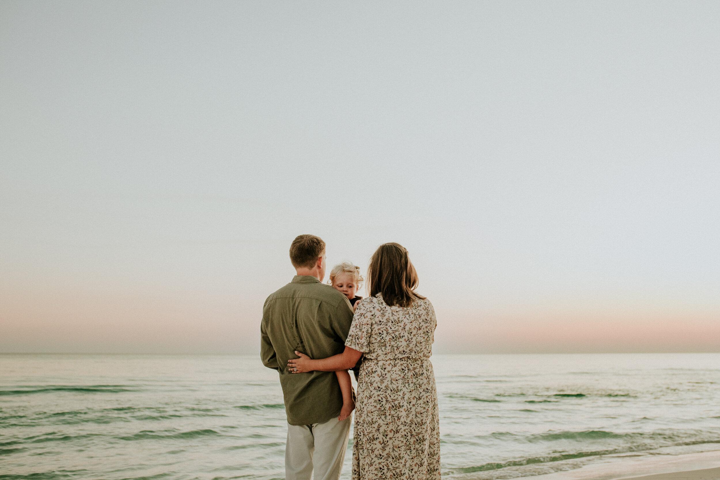 30a_Destin_Watercolor_Family_Photographer_Beach_Photos-39.jpg