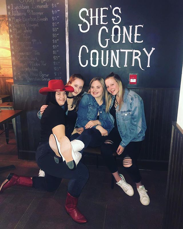 Glad these beauties are spending their last night before exams with us!! 🥰#shesgonecountry🎶