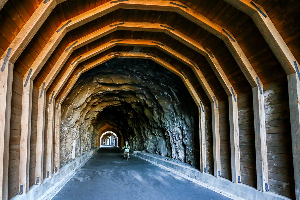 Hood-Gorge-Oregon-Road-Trip-31.jpg
