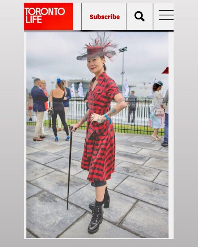 Feeling the Love! ❤️🖤❤️🖤 Thank you @torontolife and Giordano Ciampini for asking about my look. #torontolife #fashion #toronto #milliner #hats #bestdressed #rockabillystyle #greenwoodstakes #woodbineracetrack #lookgoodfeelgood #canadianmillinery #racingfashionhats #adayattheraces #jaycowmillinery