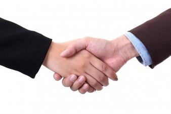 handshake_1155-35.jpg