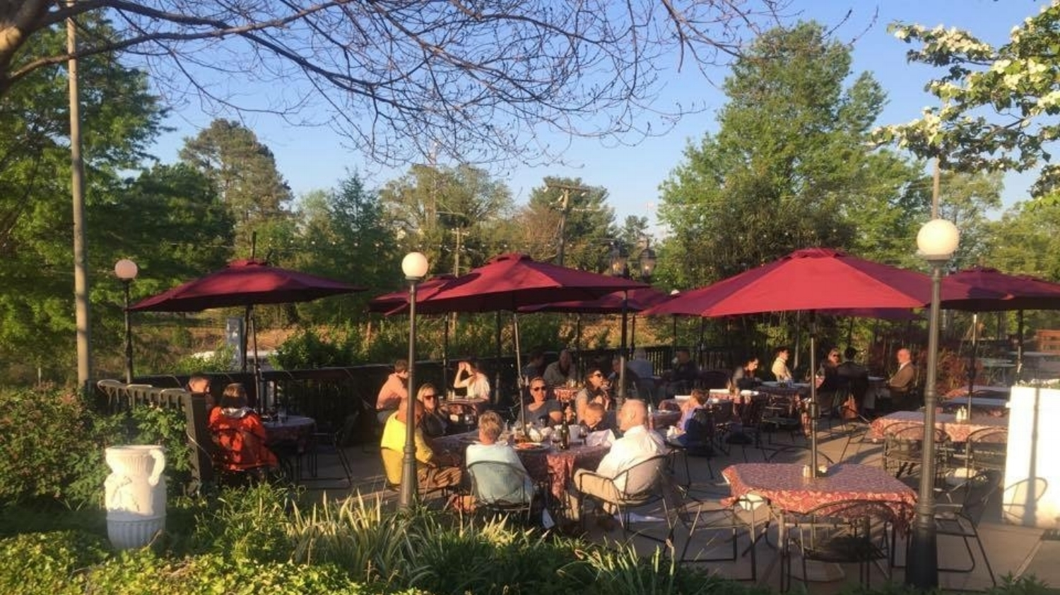Vivace's Patio Dining