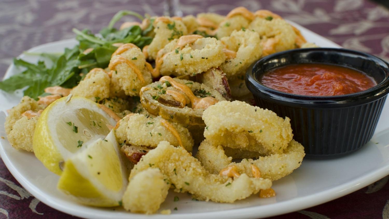 Fresh calamari with smoked tomato aioli