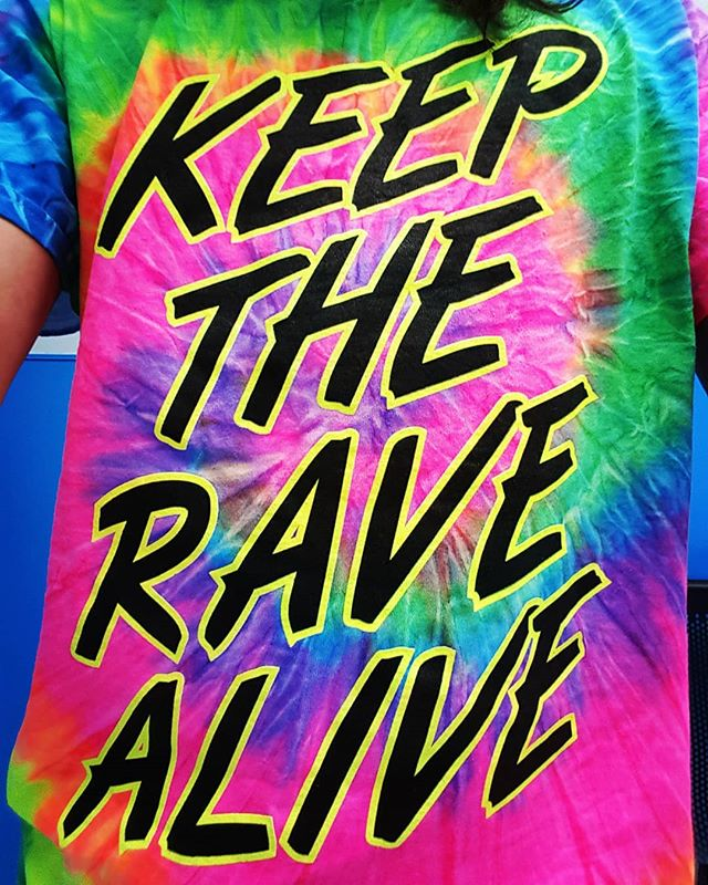 I'm so in love with my new @jauzofficial merchandise!!! Thanks guys!! KEEP THE RAVE ALIVE!!! #rave #raveoutfit #raver #music #festivalfashion #festivaloutfit #love #life #plur #libreate #glow #tyedie #festivalseason #2019 #culture #grow #dance #befree #yadig