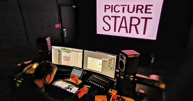 Dennis hard at work on the new trailer of #kuwaresmamovie