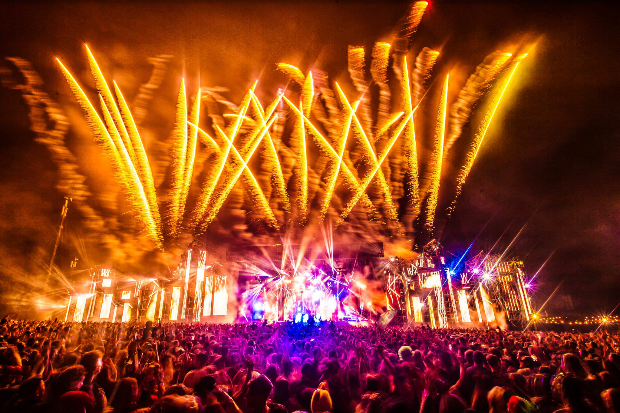 production design / creative direction / programming    Tiësto 2016 World Tour   View Project