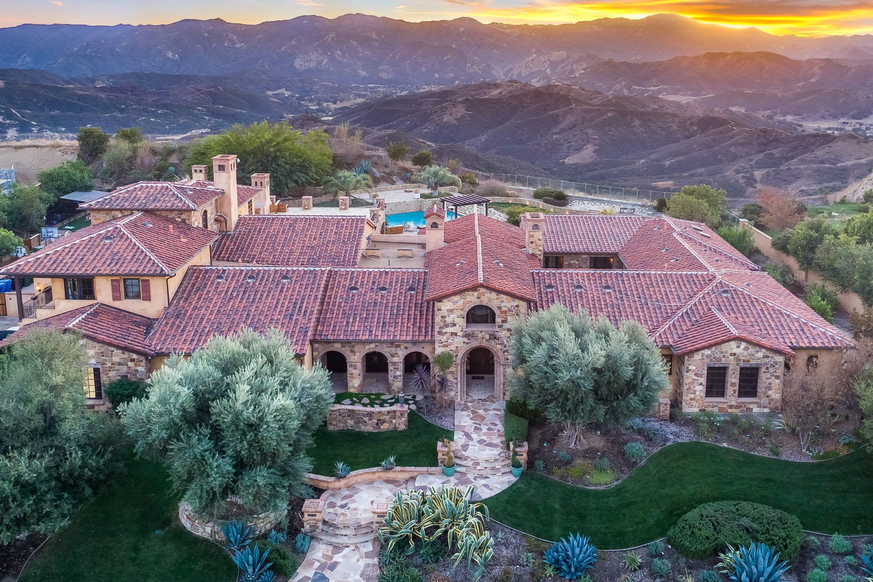 Tuscan style house in Calabasas. Listed for sale at $10,995,000.  (10565 sqft)