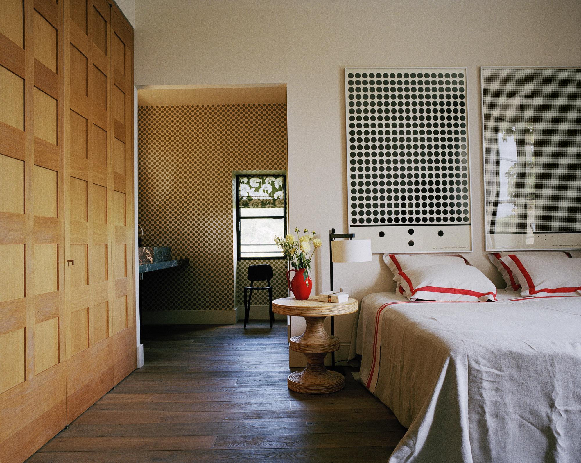 india_mahdavi_Villa-des-Alyscamps_2009_residential_Arles_architecture_design_interior_3-2000x1593.jpg