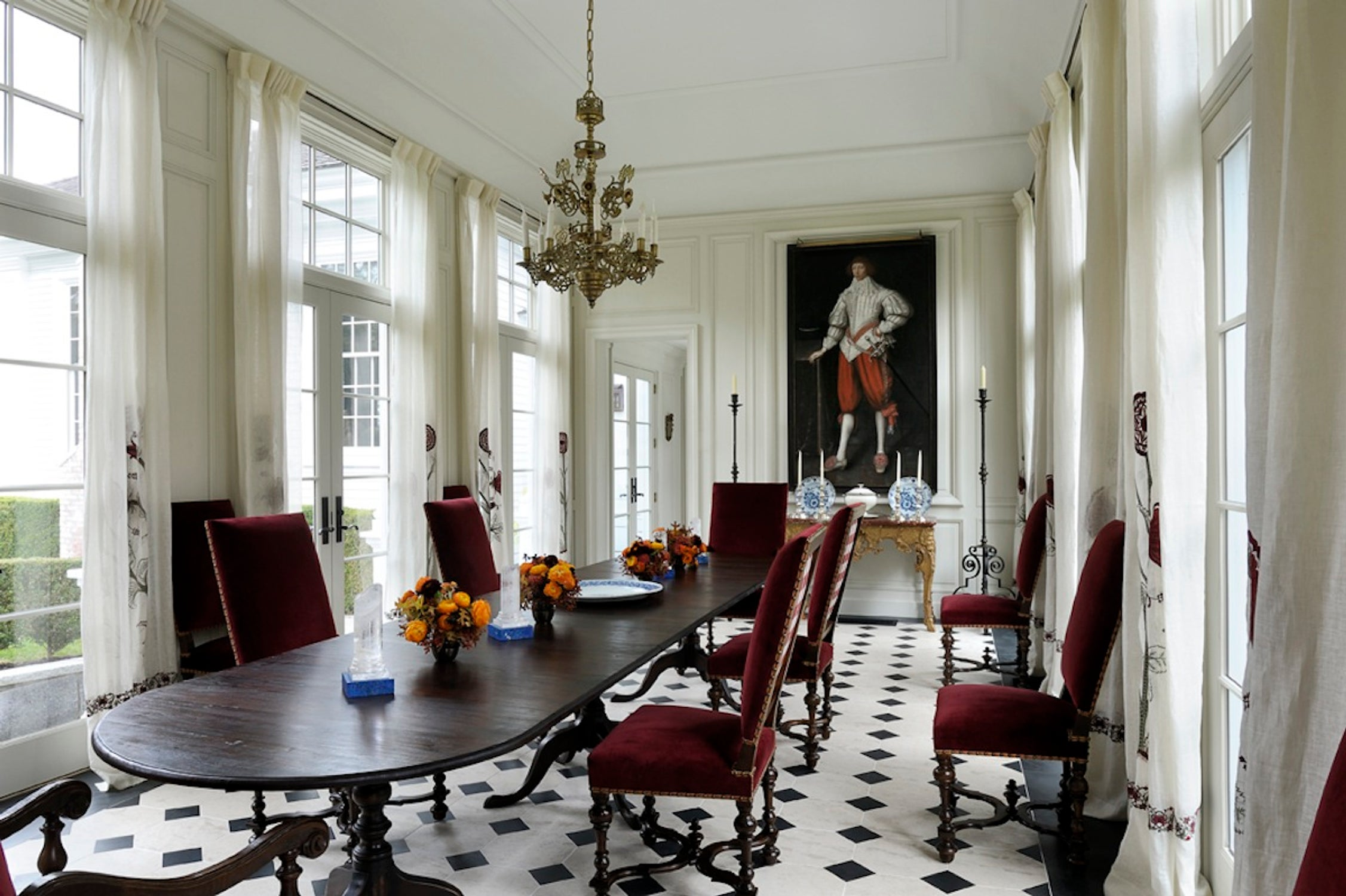 eclectic-dining-room-kent-ct-by-robert-couturier-inc1.jpg