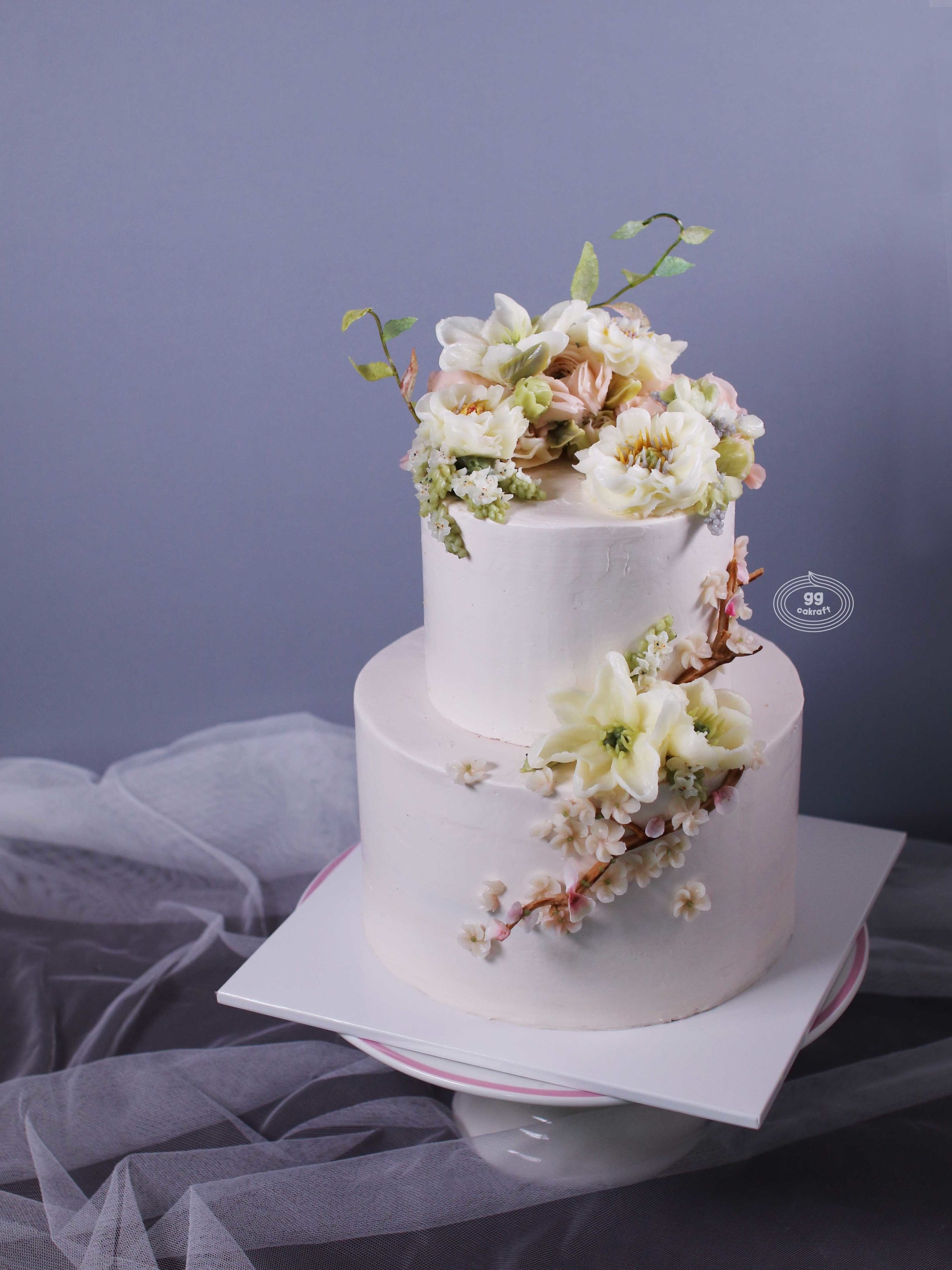 Day 2. Haute Couture Wedding Cake (dummy + real cake)   - Flower piping : Opened Peony, Ranunculus, Lily, Cherry Blossom, 3D Branch.