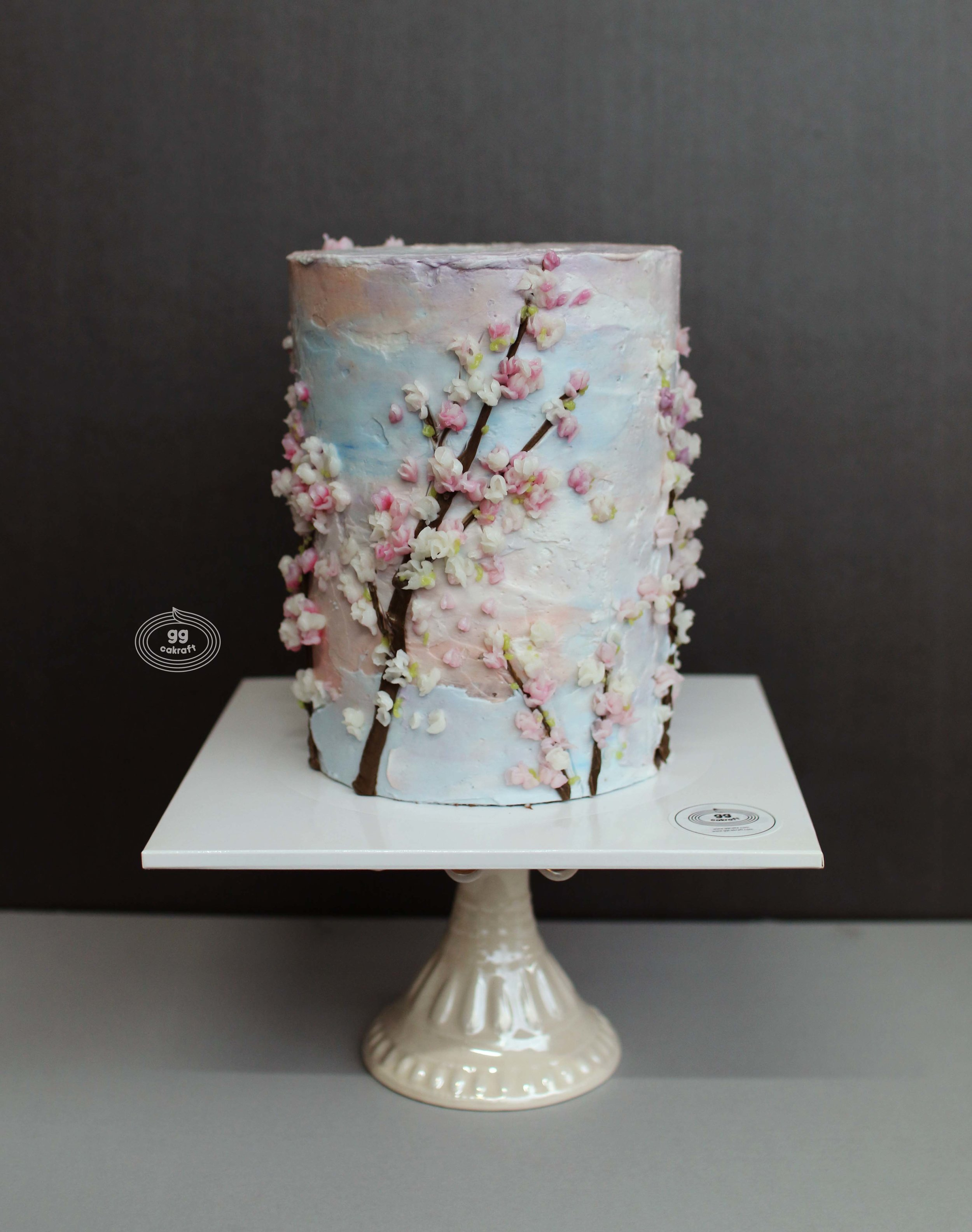 Day 2.  Cherry Blossom drawing cake (Dummy cake)  - Marble icing  - Cherry blossom / branch drawing technique, wafer paper petal.