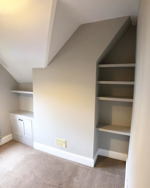 Returned to this three bed house in #Ashtead to work on a couple of bedrooms. Built a small cabinet, 5 shelves and then fully decorated. Colour is @farrowandball Cornforth White. Keep swiping to see the before photos. #RichardsonInteriors #PaintingAndDecorating #CarpentryAndJoinery #Carpentry #Painting #Decorating #Alcove #AlcoveCabinets #AlcoveShelves #AlcoveCupboards #Cabinets #AlcoveShelving #FarrowAndBall #FarrowAndBallCornforthWhite #Interiors #InteriorDesign #InteriorDecorating #Surrey