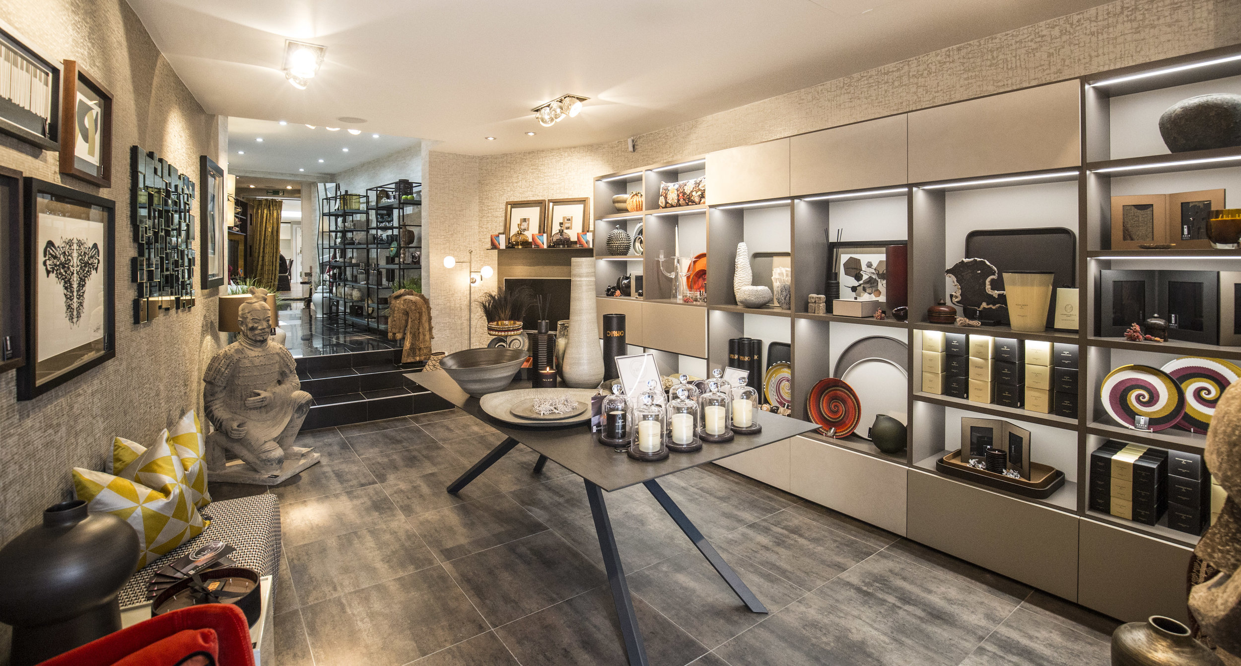 No.7 Home Accessories Showroom