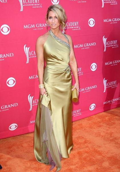 Awards-2009_Heidi Newfield_1.jpg