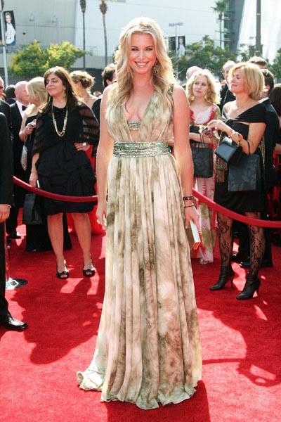 Emmy-Awards-2011-Rebecca Romijn_1.jpg