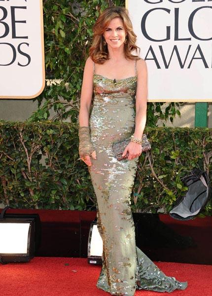 Golden-Globes-Natalie-Morales_1.jpg