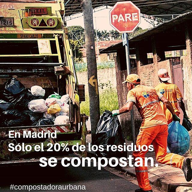 El gobierno de Madrid recoge alrededor de 3 toneladas de kg de orgánicos al día. - Si sólo se consigue reciclar un 20%, ¿qué pasa con el resto? - Nosotrxs decidimos reducir nuestra basura en casa, ¿y tú? - Fuente: https://aciertaconlaorganica.es - - - - - #compostaje #residuocero #compostadora #compostadoraurbana #vermicompostaje #compostcasero #zerowasre #aciertaconlaorganica @manuelacarmenac