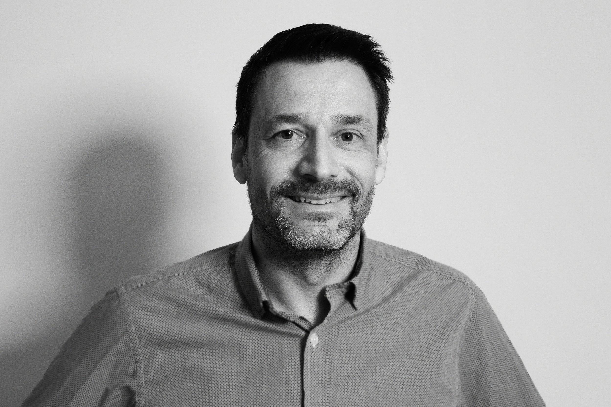 Jonas Almroth - Tandläkare