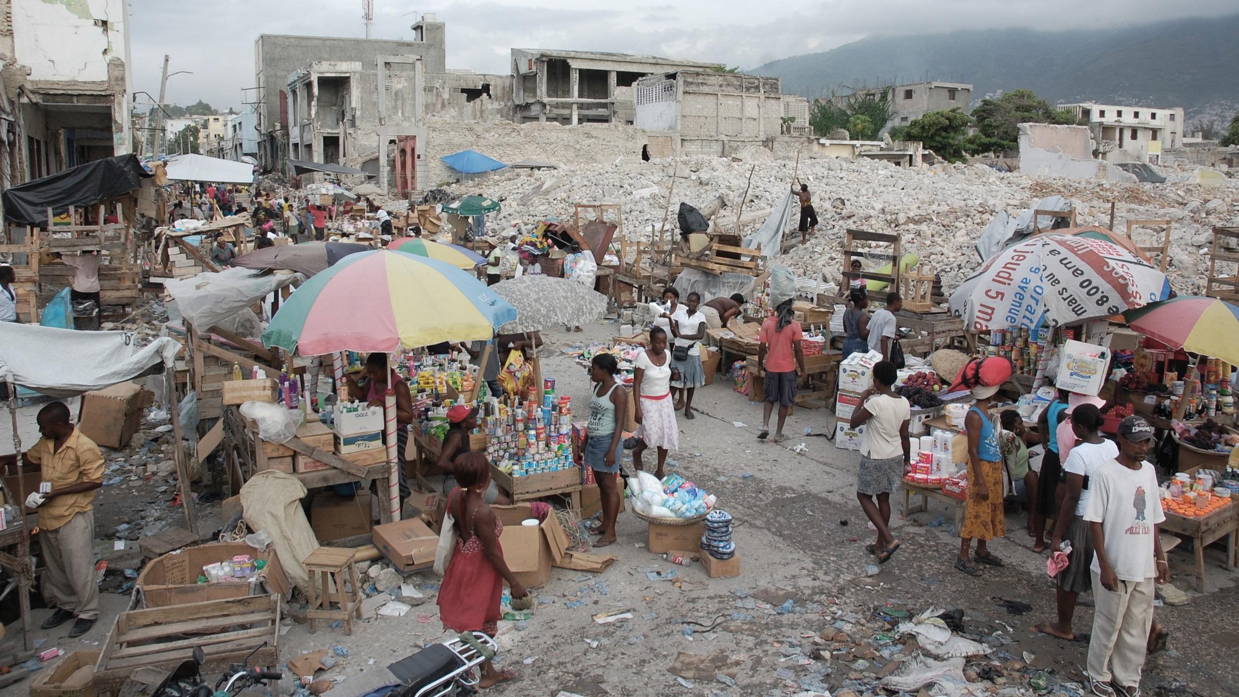 cidade de Porto Príncipe, Haiti após o terremoto de 2010.