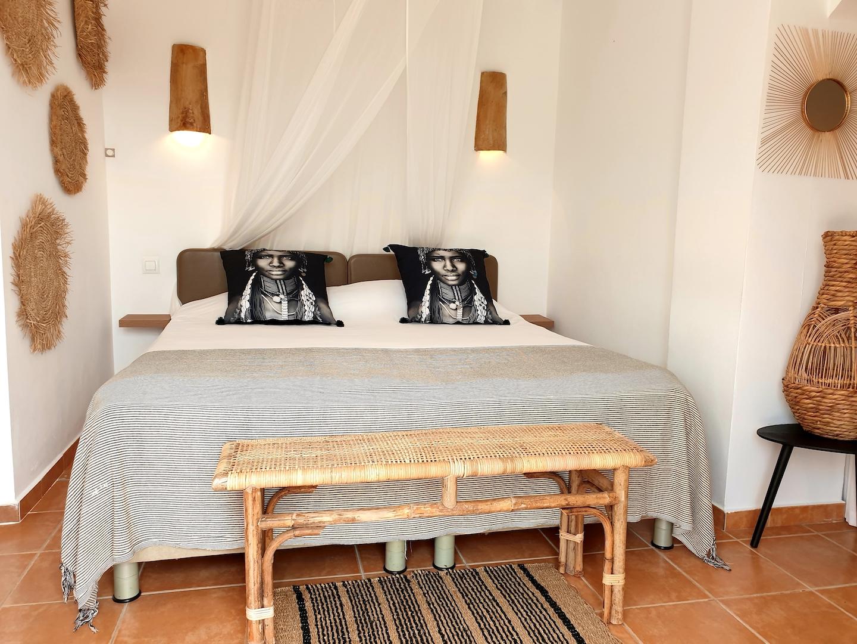 junior suite studio bed.jpg