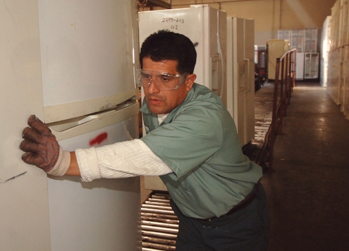 Southern California Edison work with ARCA Recycling Inc based in Compton (LA) to recycle old energy guzzling fridges and replace with new, more efficient ones.